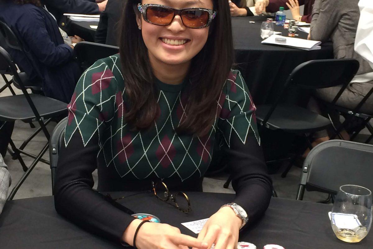Poker Divas - A woman hides cards