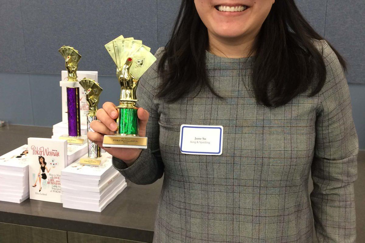 Poker Divas - woman hold a prize