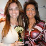 Poker Divas - Women pocker bookStanding with the prize