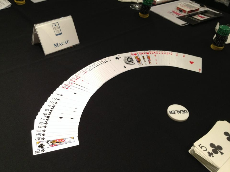Poker Divas - Showing cards
