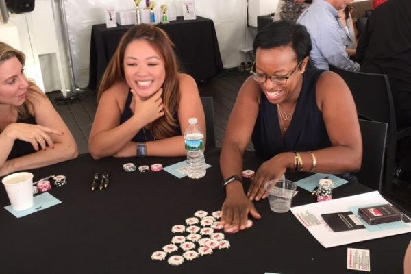 Poker Divas - Women gets excited