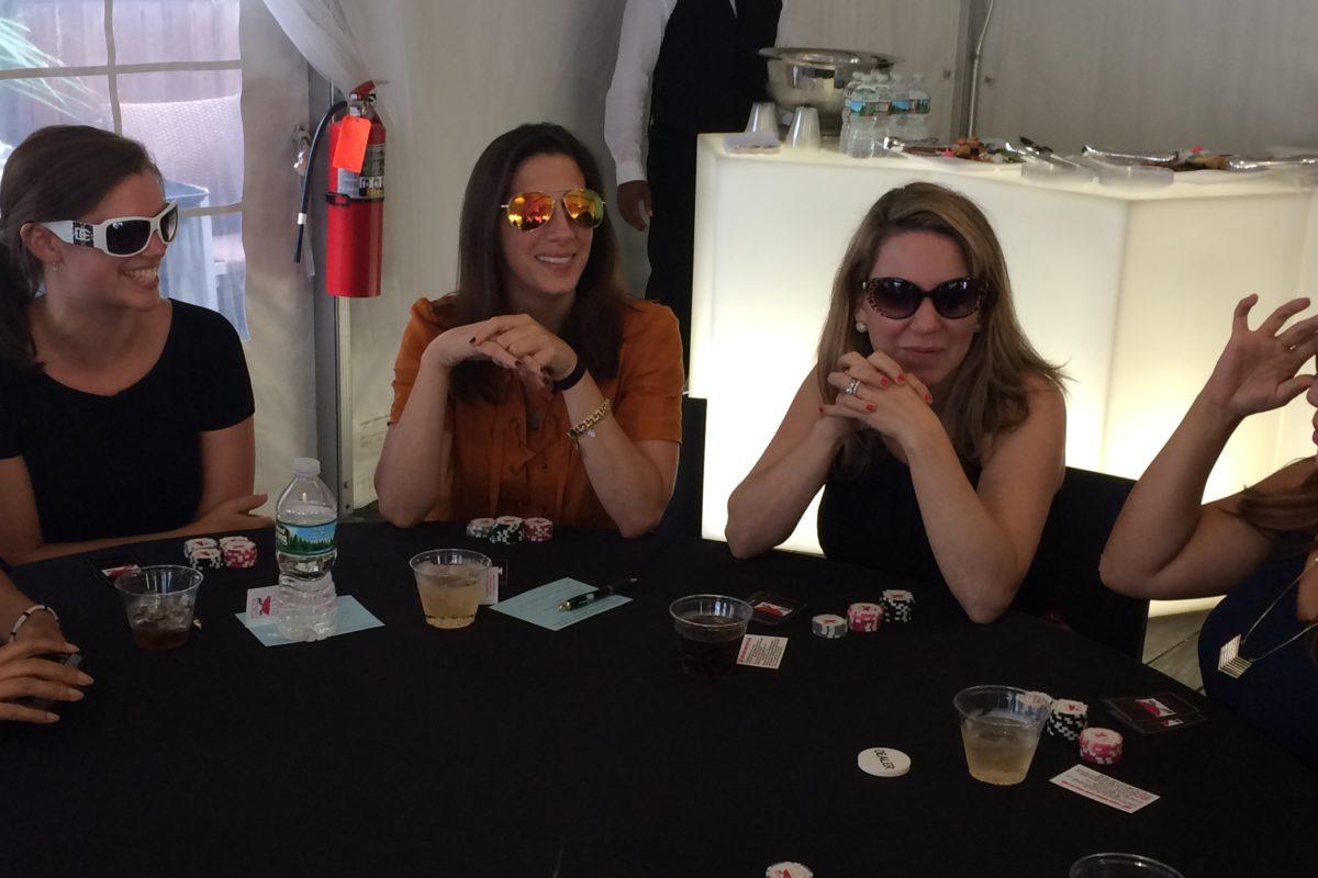 Poker Divas - Women looking others