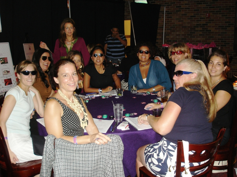 Poker Divas - Playing together