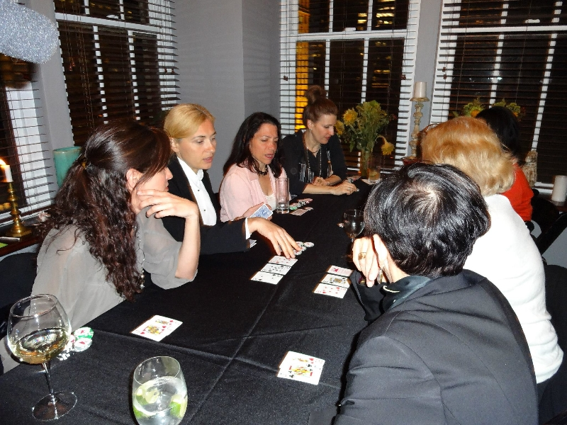 Poker Divas - People playing
