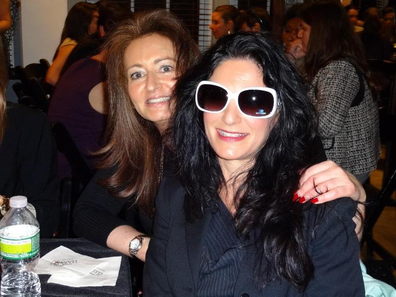Poker Divas - Two women in event