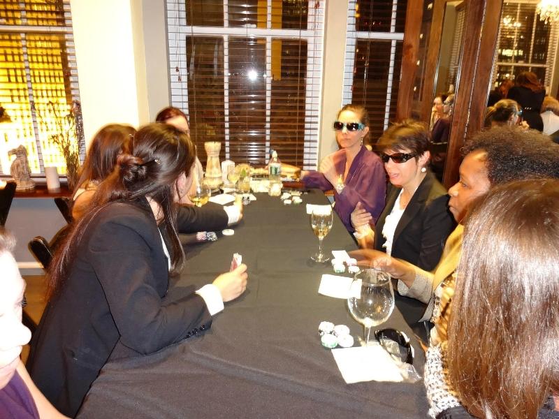 Poker Divas - Women exchanging