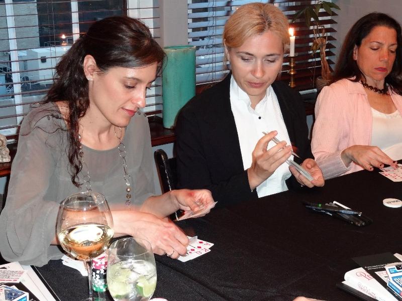 Poker Divas - Women showing cards