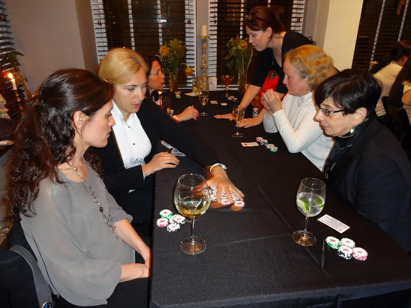 Poker Divas - Women kicker