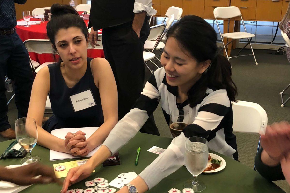Poker Divas - Women dealer