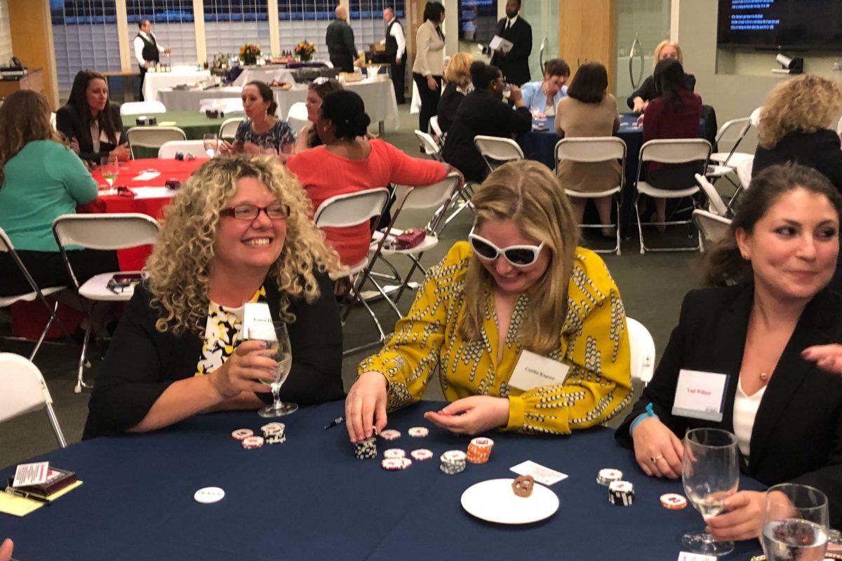 Poker Divas - Women Middle Position