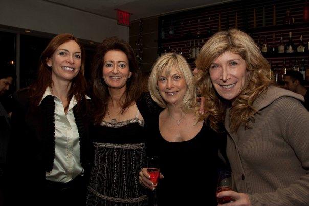 Poker Divas - Women pocker bookPosing happily