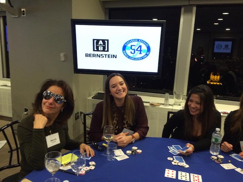 Poker Divas - Women donk bet