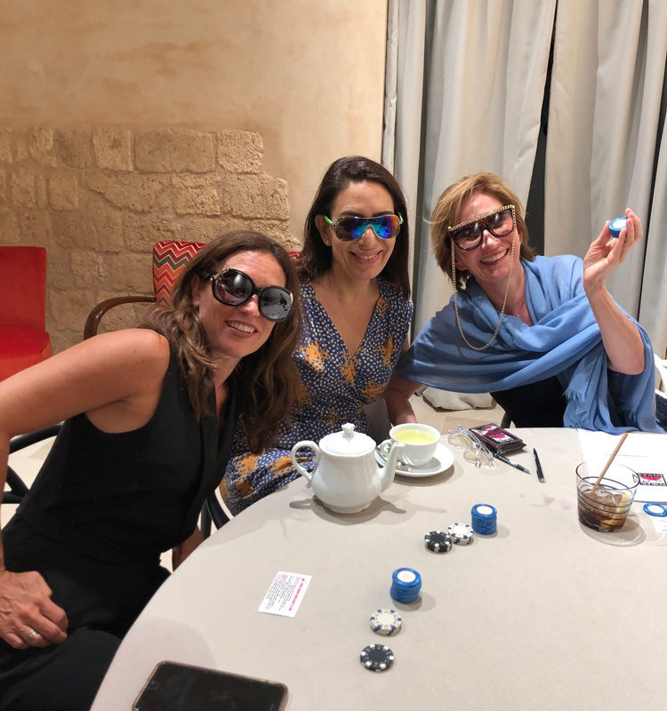 Poker Divas - game