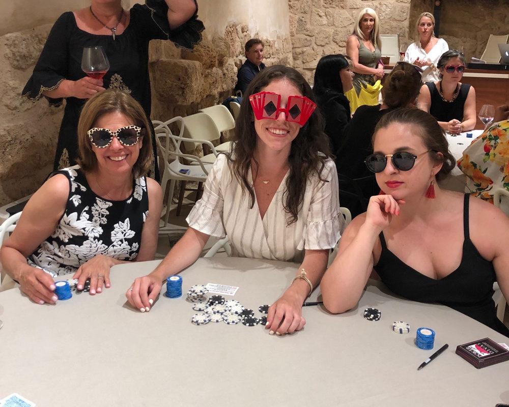 Poker Divas - club